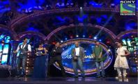 Indian Idol Junior - Ravi Kishan and Tusshar Kapoor in Indian Idol Junior