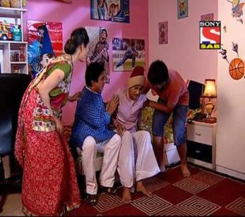 Taarak Mehta Ka Ooltah Chashmah - Ep 1391 - April 17, 2014 - Sodhi gets arrested