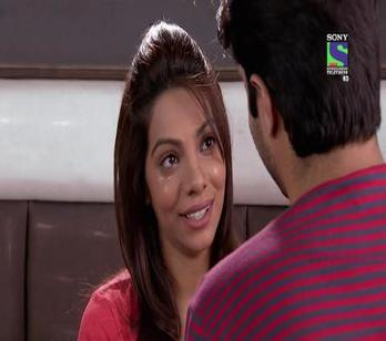 Desh Ki Beti Nandini - Ep 122 - April 22, 2014 - Divya faints